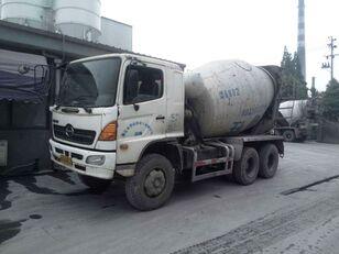betonvežis HINO